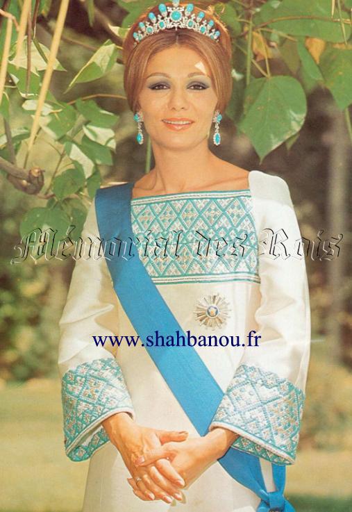 Farah pahlavi la shahbanou d 39 iran sa majest l for Shah bano farah pahlavi